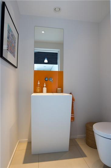 讓浴室空間除了長方形的